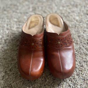 DANSKO Shyanne Leather Mules Clogs Shoes Size 38